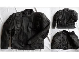 Nieuwe,zwarte leren motorjas maat XL Er staat 5Xl in de jas, maar